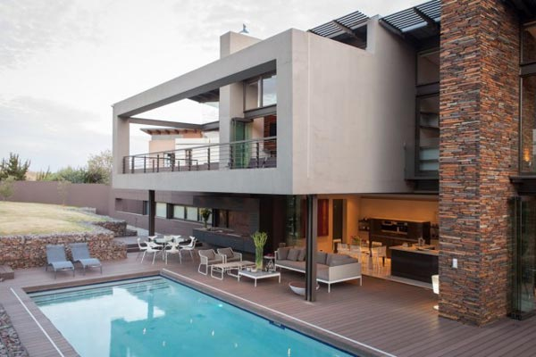 House Duk in Johannesburg, South Africa by Nico van der Meulen Architects