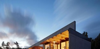 The cast-in-place concrete house in Hawaii at sunset