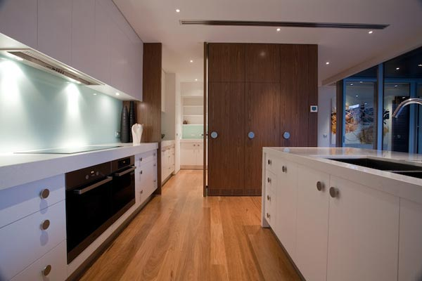 Modern Kitchen Design of the Kew House 3