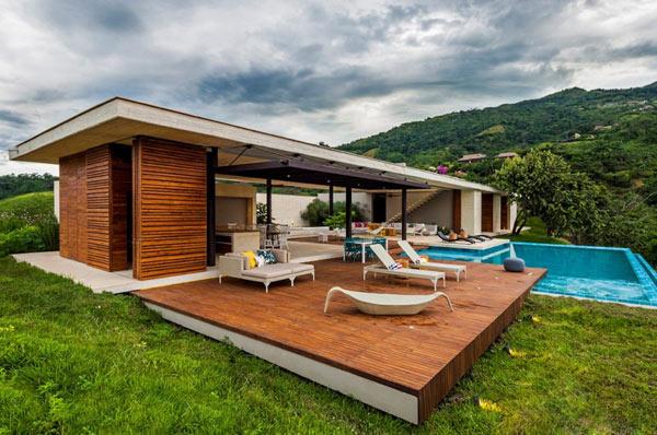 Casa 7A with open facades