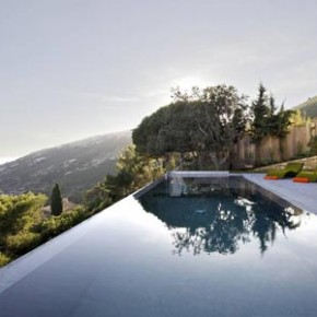 A Modern Villa Outside Saint Tropez by Architect Vincent Coste
