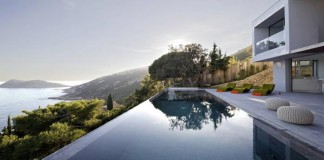 The Villa L'Escalet is situated on a steep terrain close to Saint Tropez.