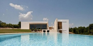 House Ceno, a holiday home located in Brindisi, Italy by Daniele Corsaro.