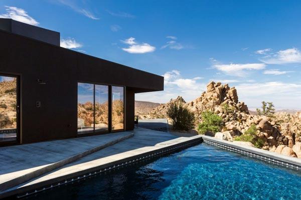 Modern architecture in the desert of California.