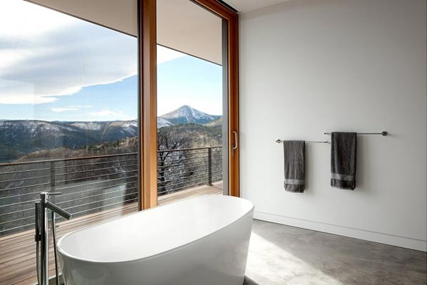 Also the bathroon of the Sunshine Canyon Residence provides a great view of the mountains.