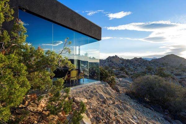 Glazed facades offer a great view of the desert landscape.