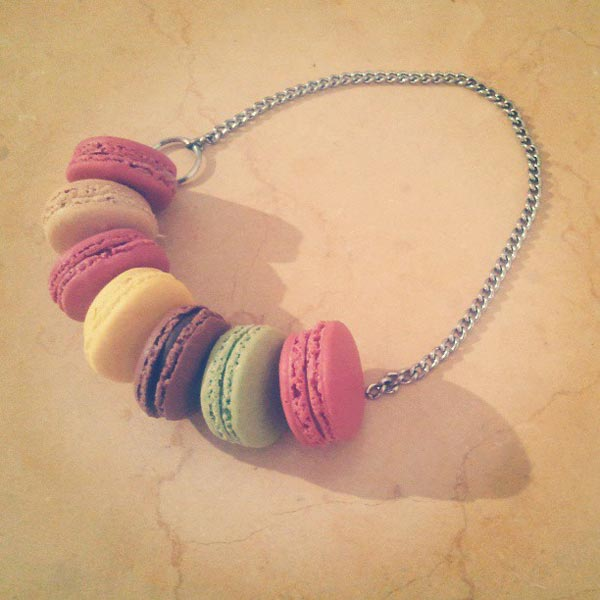 Macaroon Cookie - a chain that I would like to eat.