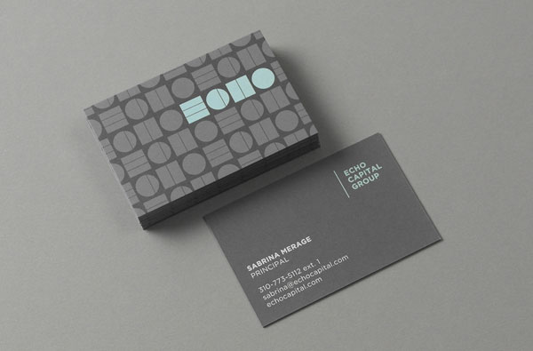 Clean business cards with front and backside.