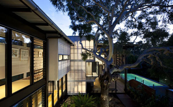 A beach house by Bark Architects at the Sunshine Coast of Queensland, Australia.