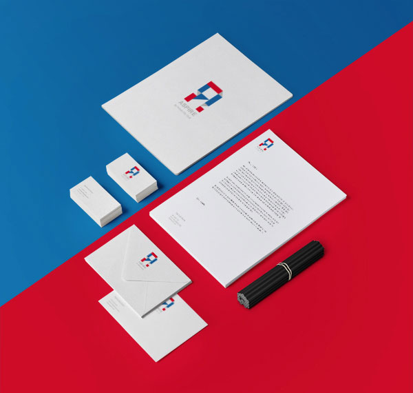 The stationery set with the British colors.