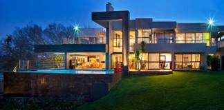 View of House Eccleston in Bryanston, Johannesburg, South Africa by Nico and Werner van der Meulen.
