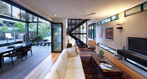 Australian Beach House On The Sunshine Coast Of Queensland