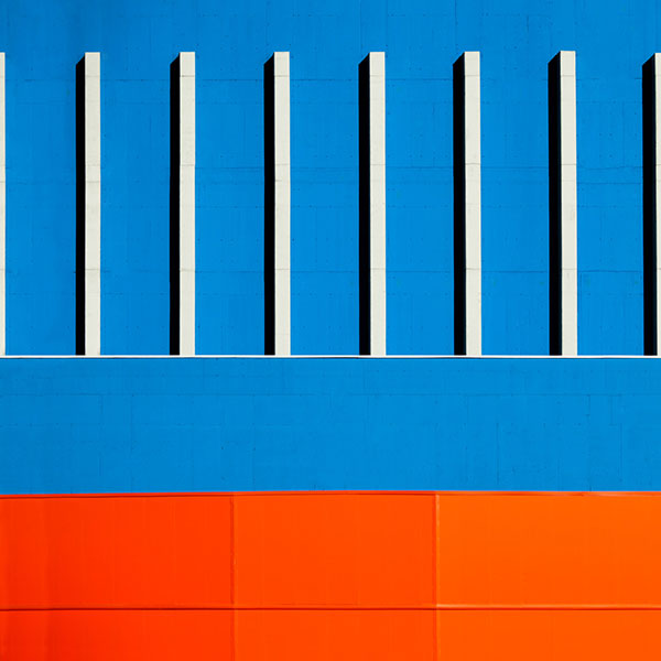 Blue and orange shades - Architectural Photography by Paolo Pettigiani.