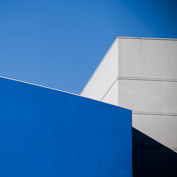 Blue and white shades - Architectural Photography by Paolo Pettigiani.