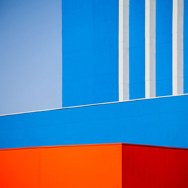 Contrasting colors and geometric shapes.