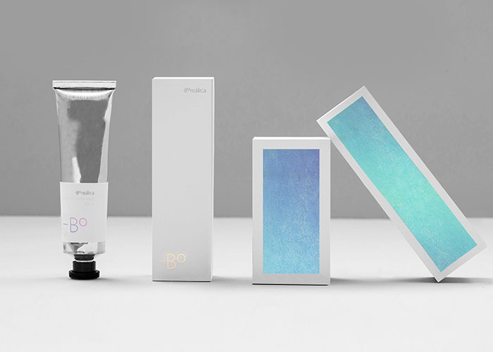 Some packaging expamples of the brand identity.