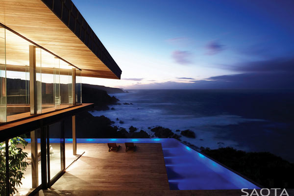 The home provides dreamlike views of the ocean and the landscape.