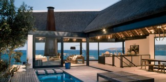 The Silver Bay beach house designed by SAOTA, Antoni Associates & OKHA.