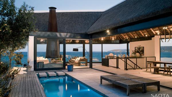 The Silver Bay beach house designed by SAOTA, Antoni Associates & OKHA.