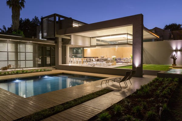 House sar in johannesburg by werner van der meulen for Pool design johannesburg