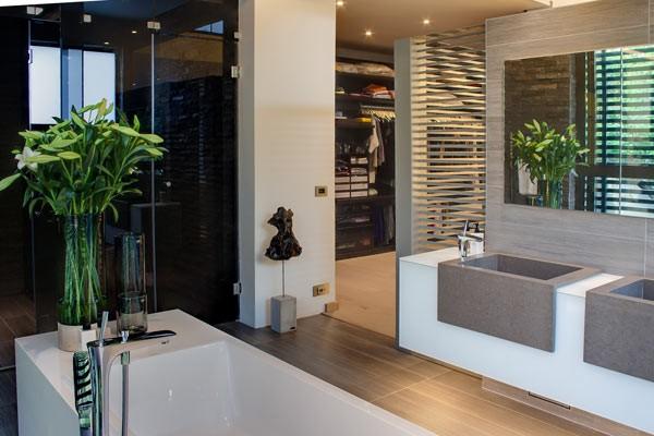 A clean and modern designed bathroom.
