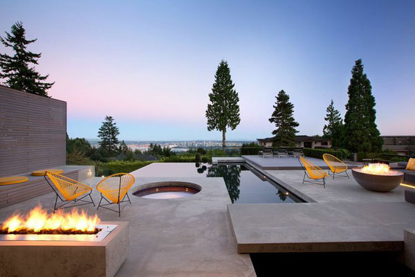 Patio and pool invite you to rest and enjoy the landscape.