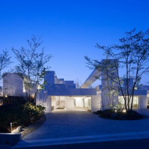 The COSMIC House in Japan by UID Architects