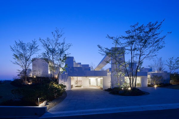 The COSMIC House in Japan by UID Architects.
