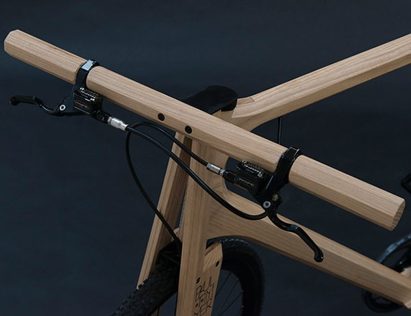 Also the handlebar are made of look.