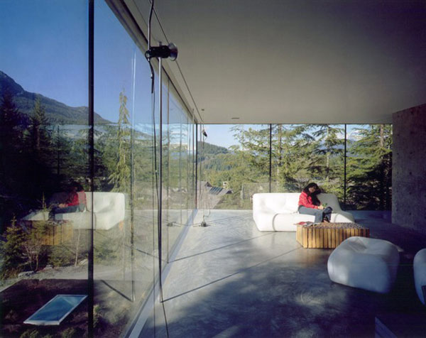 Glass fronts let you stay connected with the nature.