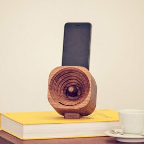 Trobla - Wooden Amplifier for Smartphones