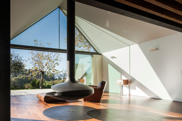Interior design of the house in Portugal by PROD Arquitectura.