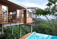 The holiday house by architect Benjamin Garcia Saxe overlooks the natural jungle of Costa Rica.