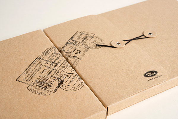 The lovely desiged cardboard packaging.
