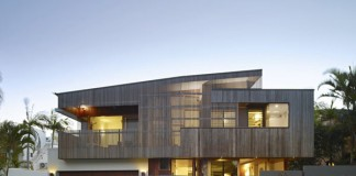 The Sunshine Beach House in Queensland, Australia by Shaun Lockyer Architects.