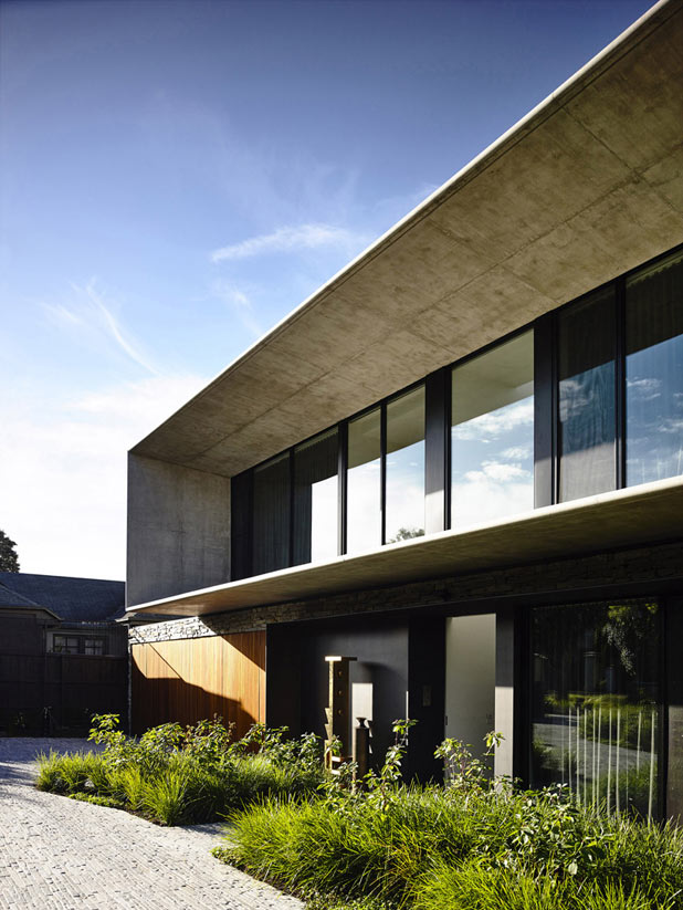 The building is characterized by a modern and wide-running architectural design.