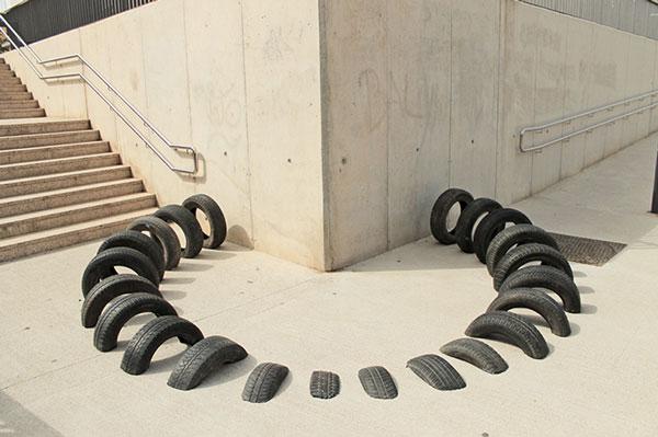 Pneumàtic art installation by OOSS, Iago Buceta, and Mateu Targa Agustí.