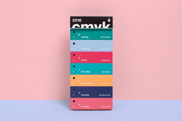 The calendar features 371 selected colors.