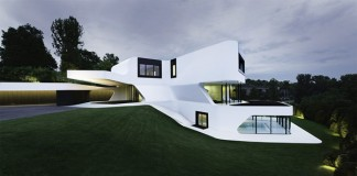A futuristic home near Ludwigsburg, Germany by J. Mayer H. Architects.