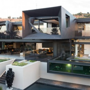 Kloof Road House in Bedfordview, Johannesburg