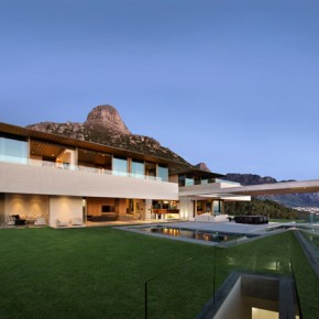 OVD 919 House in Bantry Bay, Cape Town, South Africa
