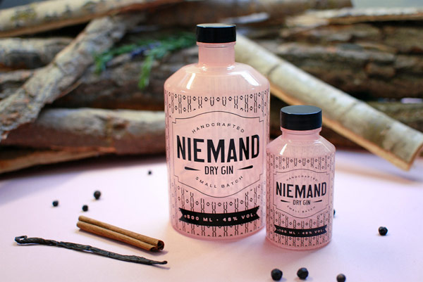 The Niemand Dry Gin bottles – packaging design by German agency Qoop.
