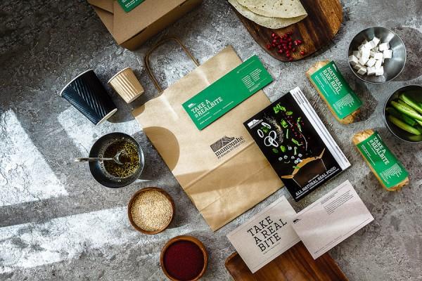 Mantoushe packaging and menu design by Jiani Lu.