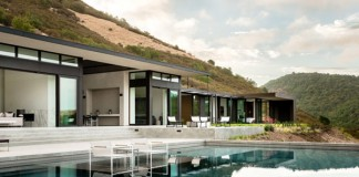 The Silverado Trail residence by architect John Maniscalco in Oakville, California.
