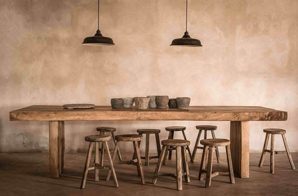 The enire concept is based on a rustic old chich mixed with simple shapes and earthy colors.