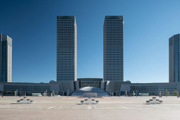 Ghost town Ordos captured by photographer Raphael Olivier.