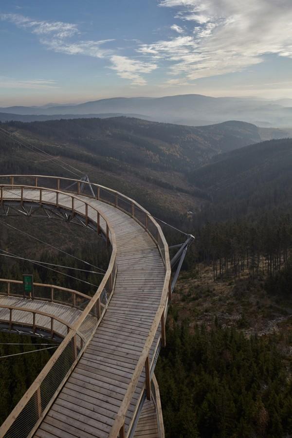 Located on top of the Králický Sněžník mountain in the Czech Republic, the Morava Sky Walk provides panoramic views of the Morava river and Krkonoše Mountains.