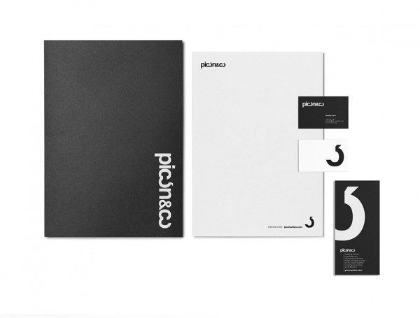The black and white stationery set including paper and business cards.