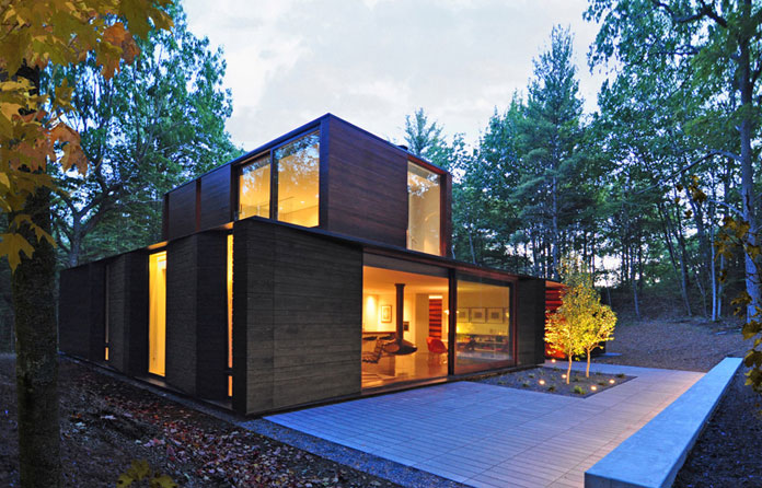 A modern home by Johnsen Schmaling Architects at Lake Michigan.
