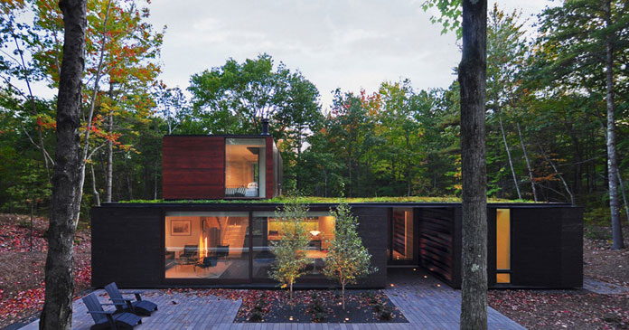 The beautiful house is situated on the wooded eastern shore of Wisconsin's Door County, a peninsula on Lake Michigan.